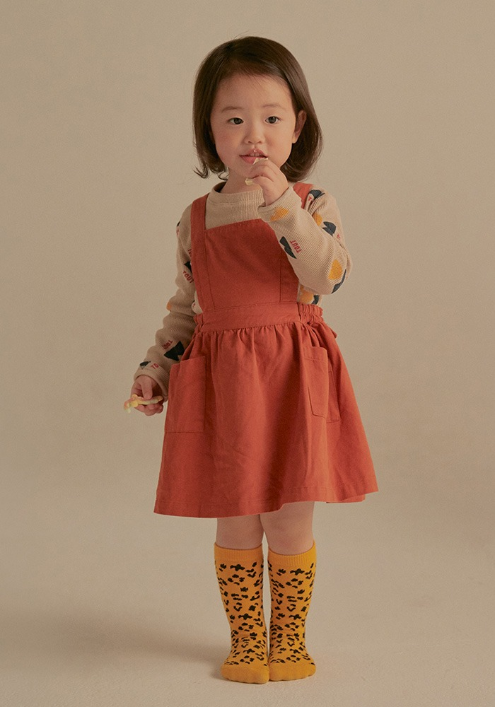 JM APRON DRESS_Brick_Baby