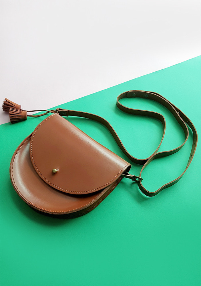 Half-Moon Bag_Brown